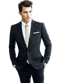 La cravate fine ... l'élégance en finesse