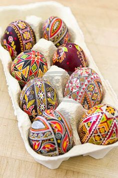 Inspire Bohemia: Easter Egg Designs! - these are so pretty they might actually make me wanna do that Easter thing y'all like so much, lol :)