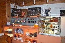 www.baeren-fisibach.ch Restaurant, Liquor Cabinet, Storage, Furniture, Home Decor, Purse Storage, Decoration Home, Room Decor, Diner Restaurant