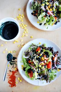 Green salad with Spirulina dressing
