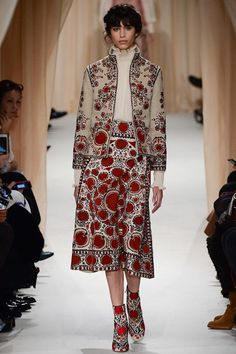 See the Valentino spring/summer 2015 couture collection