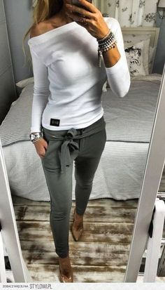 Casual Chic Fall Outfits Ideas To Copy Right Now Cool 43 Casual Chic Fall Outfits Ideas To Copy Right Now.Cool 43 Casual Chic Fall Outfits Ideas To Copy Right Now. Look Fashion, Winter Fashion, Fashion Outfits, Womens Fashion, Fashion Trends, Ladies Fashion, Fashion Ideas, Feminine Fashion, Trendy Fashion