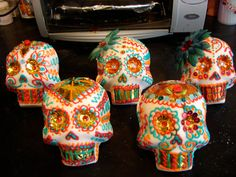 Day of the Dead Sugar Skulls by PuffyWoodson on Etsy Sugar Skulls, Day Of The Dead, Low Key, Making Out, Altars, Halloween, School Ideas, Projects, Holidays