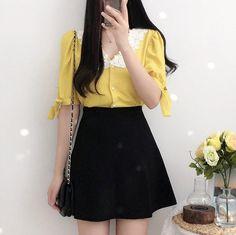 Kpop Fashion Outfits, Ulzzang Fashion, Korean Outfits, Cute Fashion, Asian Fashion, Skirt Fashion, Teen Fashion, Cute Casual Outfits, Short Outfits