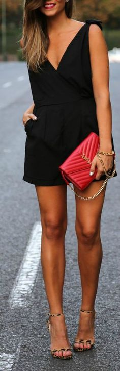This is an example of a perfect downtown outfit!!