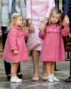Spanish Royals Princess Sofia (L) and Princess Leonor (R) attend Easter Mass at Palma de Mallorca Cathedral, on April 4, 2010 in Palma de Mallorca, Spain.