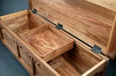 greene and greene blanket chest - Readers Gallery - Fine Woodworking - Woodworking Tuesday Woodworking Diy Gifts, Woodworking Organization, Woodworking Bench Plans, Woodworking Furniture, Fine Woodworking, Woodworking Projects, Woodworking Joints, Woodworking Supplies, Woodworking Quotes