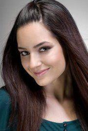 . Mahira Khan, Model Look, Turkish Actors, Beauty Women, Actresses, Angel, Style, Projects, Female Actresses