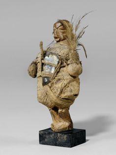 YAKA FETISCH Kongo. H 15 cm.  Provenance: Schweizer Privatsammlung.