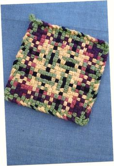 Oversized Potholder/Kitchen Mat Potholder Loom, Crochet Potholder Patterns, Loom Knitting Patterns, Weaving Patterns, Weaving Projects, Crochet Projects, Craft Projects, Craft Ideas, Willow Weaving