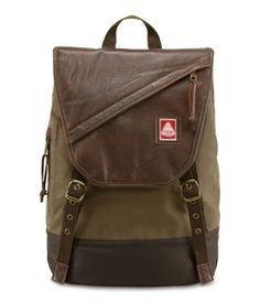 Explore the features of our Ballard backpack. Available in a variety of colors and patterns, this backpack is perfect for anyone on the go.