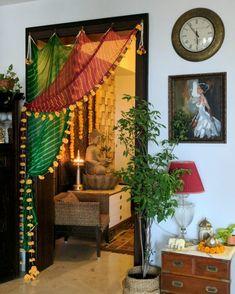 Diwali Decor Shoot - Hinter den Kulissen - home decor - Diy Neu Möbel Indian Room Decor, Ethnic Home Decor, Diy Room Decor, Ganpati Decoration At Home, Diwali Decorations At Home, Indian Decoration, Diya Decoration Ideas, Home Wedding Decorations, Diwali Diy