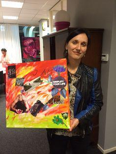 Andrea van der Molen met haar MoodVisionBoard
