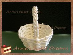 how to create a basket...to go with baby in blanket...