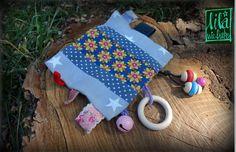 kostenlose Anleitung zum Nähen des absoluten Lieblingsspielzeugs / Multifunktionsspielzeugs - Knistertuch für Babys. Hervorragend auch als Geschenk!