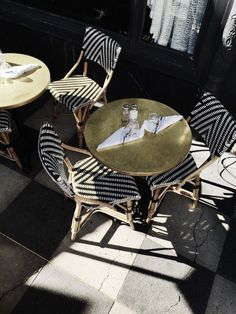 Fashion Gone rouge: Photo Cafe Bar, Cafe Restaurant, Tuileries Paris, French Bistro Chairs, Fashion Gone Rouge, French Cafe, Paris Cafe, Restaurant Interior Design, Outdoor Furniture