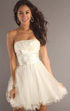 Short/Mini Ball Gown Strapless White Organza Prom Dress