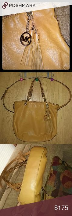 """💞Beautiful duo """"Bennett""""style Bag💞 EUC Very gentle use. Authentic Michael Kors.  Apprx 11"""" H x 13"""" W x 2"""" D. Lightly pebbled leather, whipstitched handles/trim with beautiful gold tone hardware. Magnetic snap closure. Orangeish brown mustard in color. Small make-up (mirrored)stain on inside zipper pocket lining see pic #8. Just making room for something different. One of my favs ❤ If submitting an offer please be reasonable 😃. Thanks! Michael Kors Bags Satchels"""