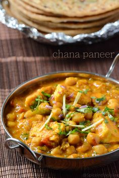 Paneer Chana Masala Recipe - Chana Paneer recipe - Side dish for Chapati — Spiceindiaonline Chapati Recipes, Paneer Recipes, Garlic Recipes, Veg Recipes, Curry Recipes, Indian Food Recipes, Vegetarian Recipes, Beans Recipes, Vegetarian Lifestyle