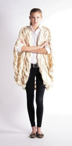 The Merino Cape -100% south american merino wool- - themerinoshop - Peleryny i poncza