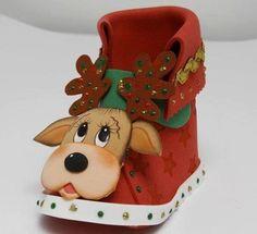 dulceros de renos navideños - Buscar con Google Christmas Shoes, Felt Christmas Decorations, Christmas Humor, Christmas Time, Christmas Stockings, Christmas Crafts, Xmas, Christmas Ornaments, Foam Crafts