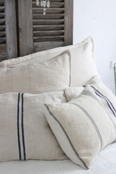 Ana&Cuca home mooi White Pillows, Linen Pillows, Linen Bedding, Bed Pillows, Bedding Sets, Bed Linens, Linens And Lace, Soft Furnishings, Home Textile