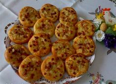 http://www.nejrecept.cz/recept/slaninovo-cibulove-kolacky-r260