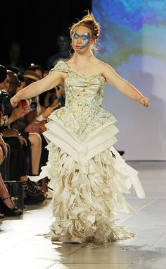 Model With Down Syndrome Madeline Stuart Makes Her New York Fashion Week Debut | E! Online