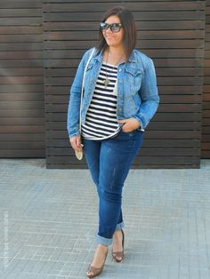 VÍSTETE QUE VIENEN CURVAS: Denim & Stripes Look