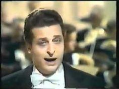 "Alfredo Kraus ""Je crois entende"" Les Pecheurs des perles - YouTube"