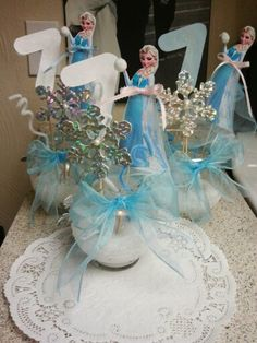 Disneys Frozen centerpieces for my daughters 7th birthday party