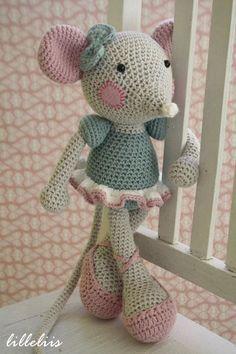Bom Dia Queridas!  Que Ratinha Bailarina mais Lindinha!!!  Um Lindo Dia Abençoado por Deus!!!  Link Da Imagem: http://www.amigurumipatter...