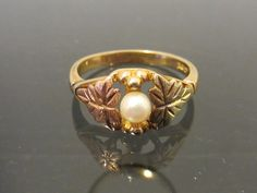 Vintage 10K Black Hill Genuine Pearl Leaves Tri Color Solid Gold Ring Size 8.5
