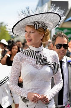 Love Nicole Kidman's L'wren Scott dress and Stephen Jones Hat to attend the Melbourne Cup