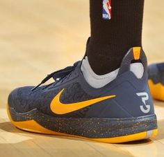 95c72a5aa34d Paul George in the Nike zoom crusader