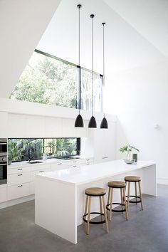 #kitchen | Architect: Eva-Marie Prineas. Photography by Chris Warnes | Simple Style Co