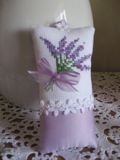 I love lavender. My sister in Brazil loves it too. I am sending her a late birthday gift, and decided to include a lavender sachet. Lavender Crafts, Lavender Bags, Lavender Sachets, Lavender Cottage, Cross Stitching, Cross Stitch Embroidery, Hand Embroidery, Cross Stitch Patterns, Embroidery Patterns