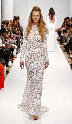 Michael Costello Fall 2014 as seen on Beyonce Knowles Fancy Wedding Dresses, Elegant Dresses, Nice Dresses, Star Fashion, High Fashion, Gypsy Fashion, Valentino Gowns, Michael Costello, Fashion Figures