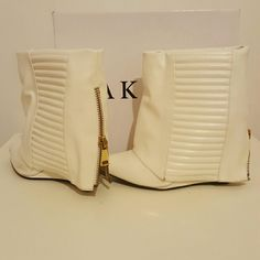 Akira Lust for Life Play Quilted Zip Booties boots Akira booties Off white Large gold zipper down back  Quilted  Wedge heel Fold over AKIRA Shoes Ankle Boots & Booties