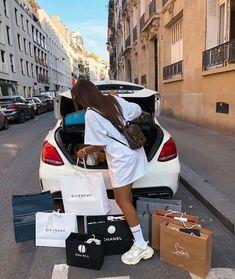 Boujee Lifestyle, Luxury Lifestyle Fashion, Boujee Aesthetic, Aesthetic Vintage, Luxe Life, Life Goals, Dream Life, Business Women, Yves Saint Laurent