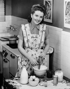 Young Housewives From Between the 1940s and 1950s
