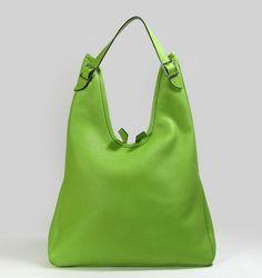 Shoulder Bag  a bag of any size and shape provided with a shoulder strap.  Hermes HandväskorSvart c8f99e8e3ce4c