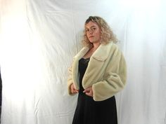 Faux fur cropped jacket size M/L cream faux by frenchvintagedream