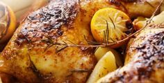 Slow Cooker Rosemary Chicken Breasts A tender and delicious meal courtesy of the slow cooker. Rosemary Chicken, Lemon Chicken, Roasted Chicken, Baked Chicken, Grilled Chicken, Healthy Chicken, Roasted Carrots, Marinated Chicken, Boneless Chicken