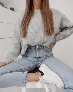 60 Stylish Winter Outfits Ideas You Can Wear On Repeat Educabit Winter Outfits For Teen Girls, Stylish Winter Outfits, Teenage Outfits, Cute Comfy Outfits, Casual Winter Outfits, Winter Fashion Outfits, Trendy Outfits, Girl Outfits, Classy Outfits For Teens