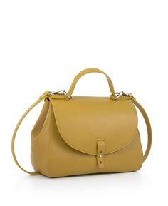 Cu un design elegant și foarte chic, poșetele din colecția Albertine's for YVY BAGS sunt perfecte pentru a-ți completa ținutele stylish, așa că nu ezita să le alegi, indiferent că preferi outfit-urile casual ori office.  Descoperă alte poșete chic, pe www.yvybags.ro #loveYVYBags #leatherhandbags #YVYBagsfactory #loveourjob #clutch Albertine's by Albertina Ionescu Albertina Ionescu