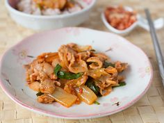 Super fast and easy recipe for kimchi stir-fried with sukiyaki pork belly.