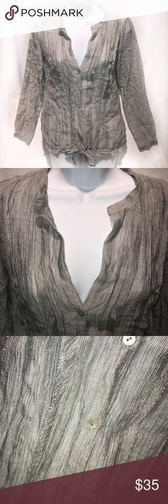 🆕 Zara • Gray Pin Tuck Button Up Blouse NWOT   Never Worn   Excellent Condition   Gray Coloring   Pin Tuck Style Design   Button Up Design   Long Sleeve   Low V Neck   Cinched Tied Bottom   Lightweight   See Through   Comes with Extra Button   76% Lyocell   24% Nylon  🚫 Trades   More 📸 Upon Request   Ask Any Questions Needed To Help With Decision 🙋🏽  Bundles & Offers Are Welcomed ❤️  Zara Tops Button Down Shirts