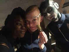 Oyin Oladejo as Joann Owosekun, Emily Coutts as Keyla Detmer & Sara Mitich as Airiam - Star Trek: Discovery (2017) (500×374) #robot #android
