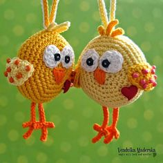 eastern inspiration, no pattern, but good idea :) Crochet chicken Crochet Easter, Easter Crochet Patterns, Crochet Birds, Amigurumi Patterns, Crochet Animals, Diy Crochet, Crochet Crafts, Crochet Dolls, Yarn Crafts